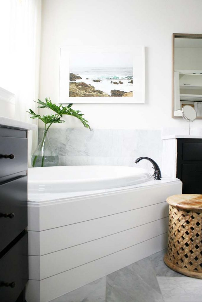 Landscape and Seascape Photography refresh white bathroom