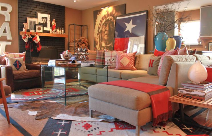 Living room design and colorful vases
