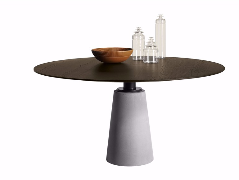 Mesa due dining table