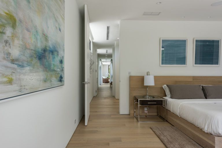 The bedrooms are organized along a hallway and they each have access to their en-suites and in some cases to terraces