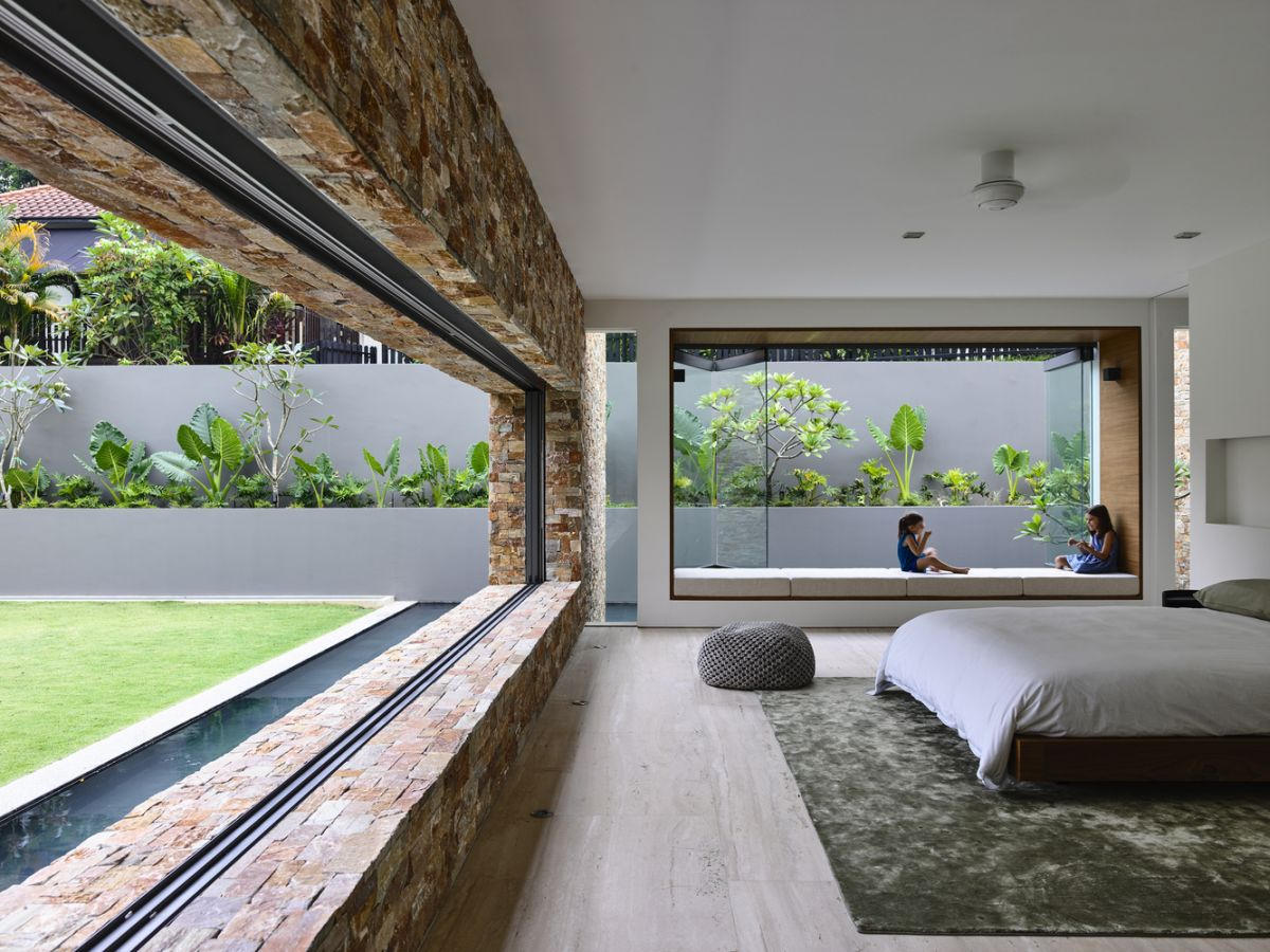 Large windows frame the beautiful views and allow them to become the focal points of the interior design