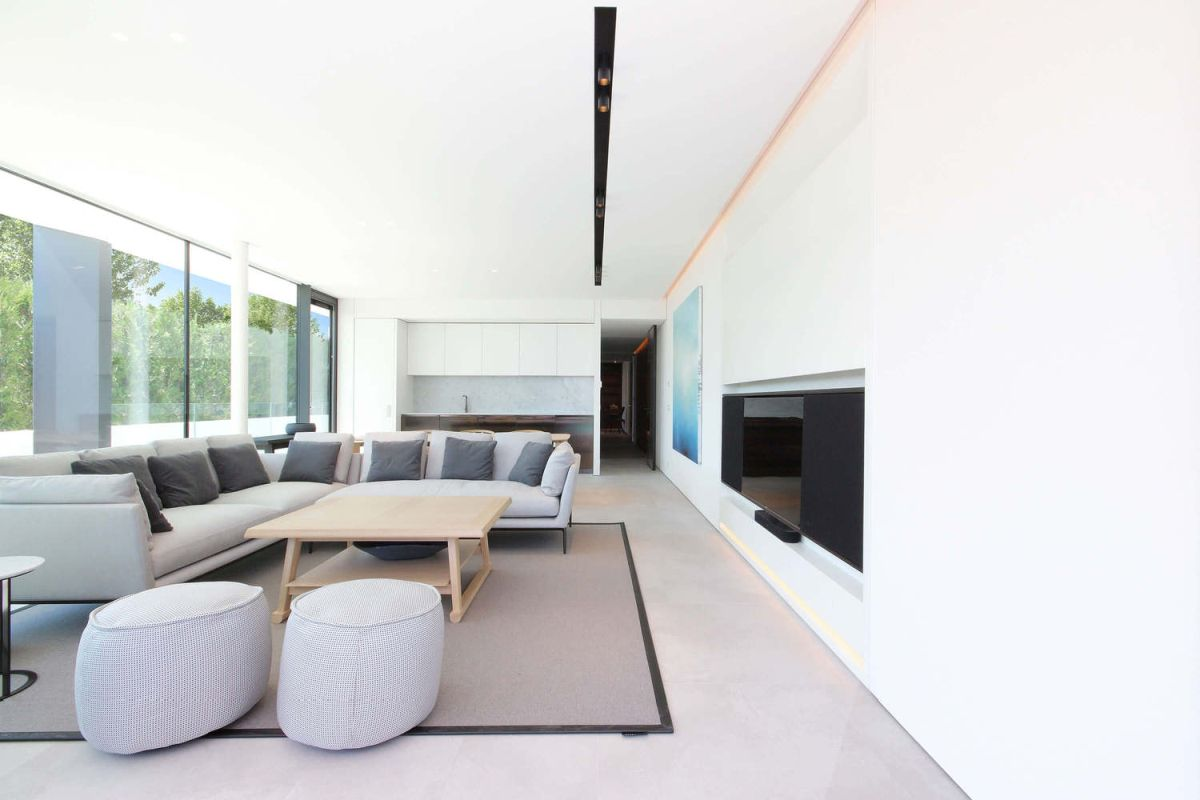 Both sides of the house have identical layouts and are also identically furnished