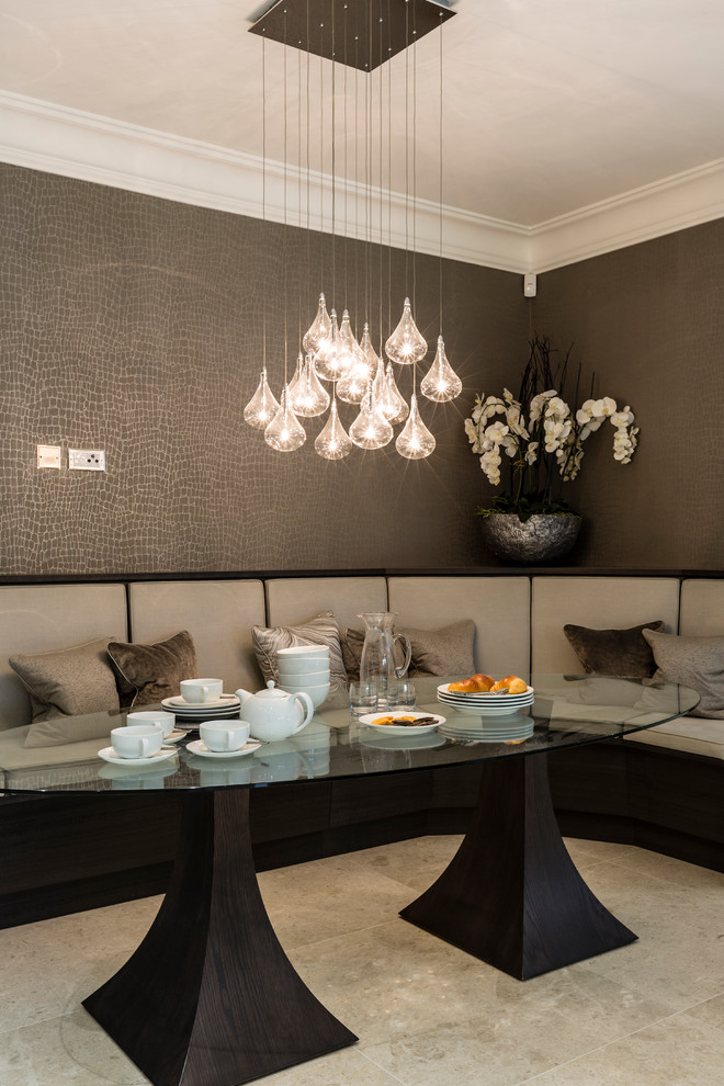 Oval beauty dining table and chandelier over