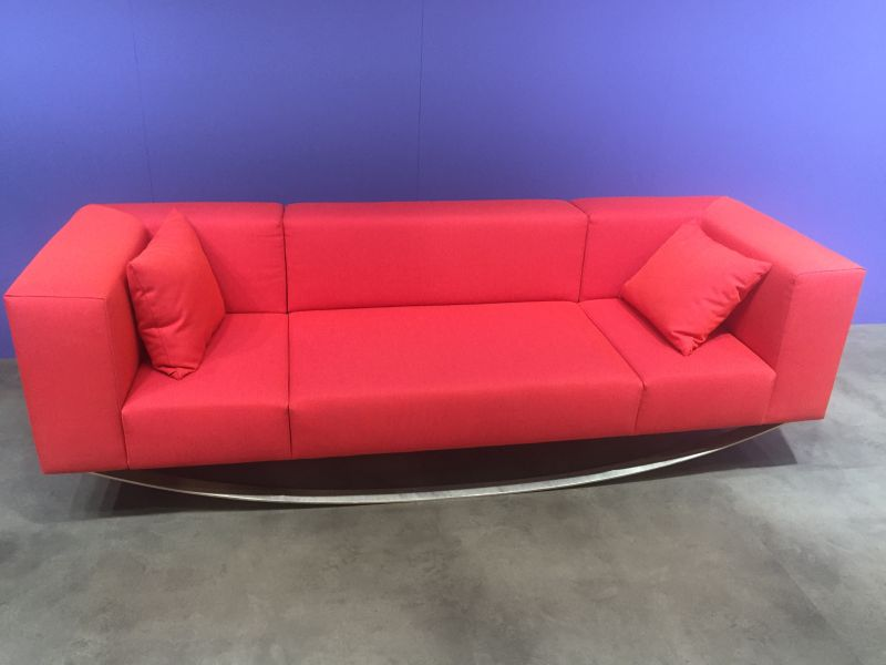 red-equilibriste-sofa-from-maison-and-objet-paris