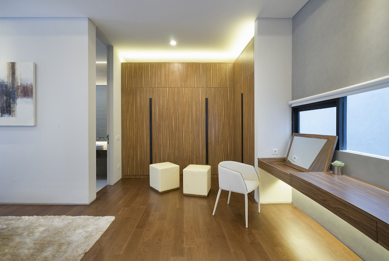 The interior design is simple throughout, being defined by linear forms and the occasional curves
