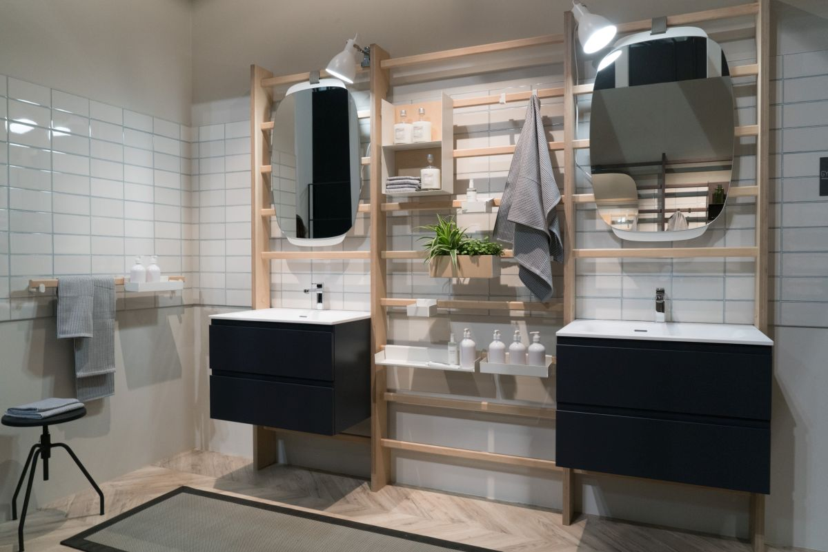 The minimalist system of supports allows each person to customize their bathroom in a way that best suits their needs