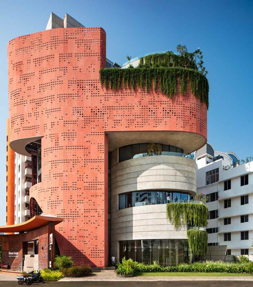 The Sangini House is a striking building which helps to revitalize the surrounding area