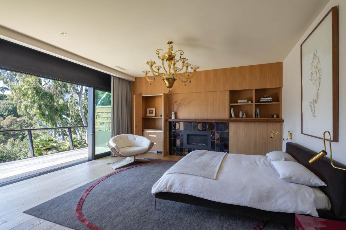 The master bedroom has a nice little balcony from where the gorgeous surroundings can be admired