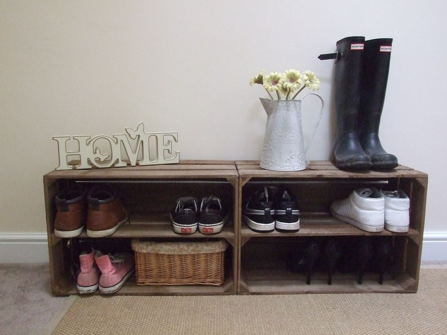 Shoe bench from wood crates