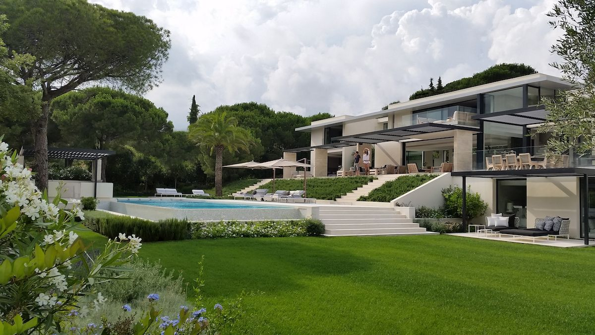 The surrounding pine forest provides the perfect backdrop for this amazing Saint Tropez residence
