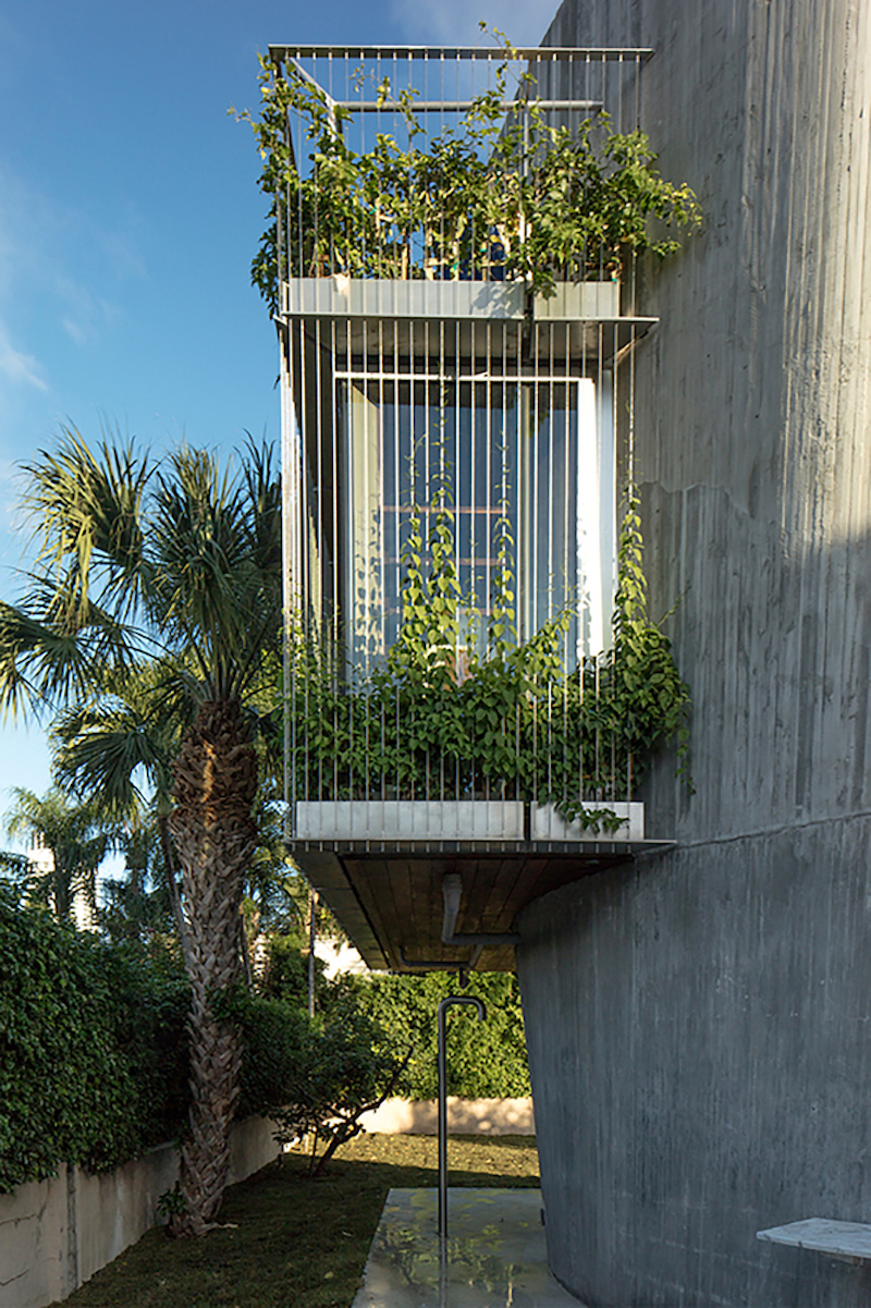 Some of the spaces extend beyond the wall, being suspended like balconies