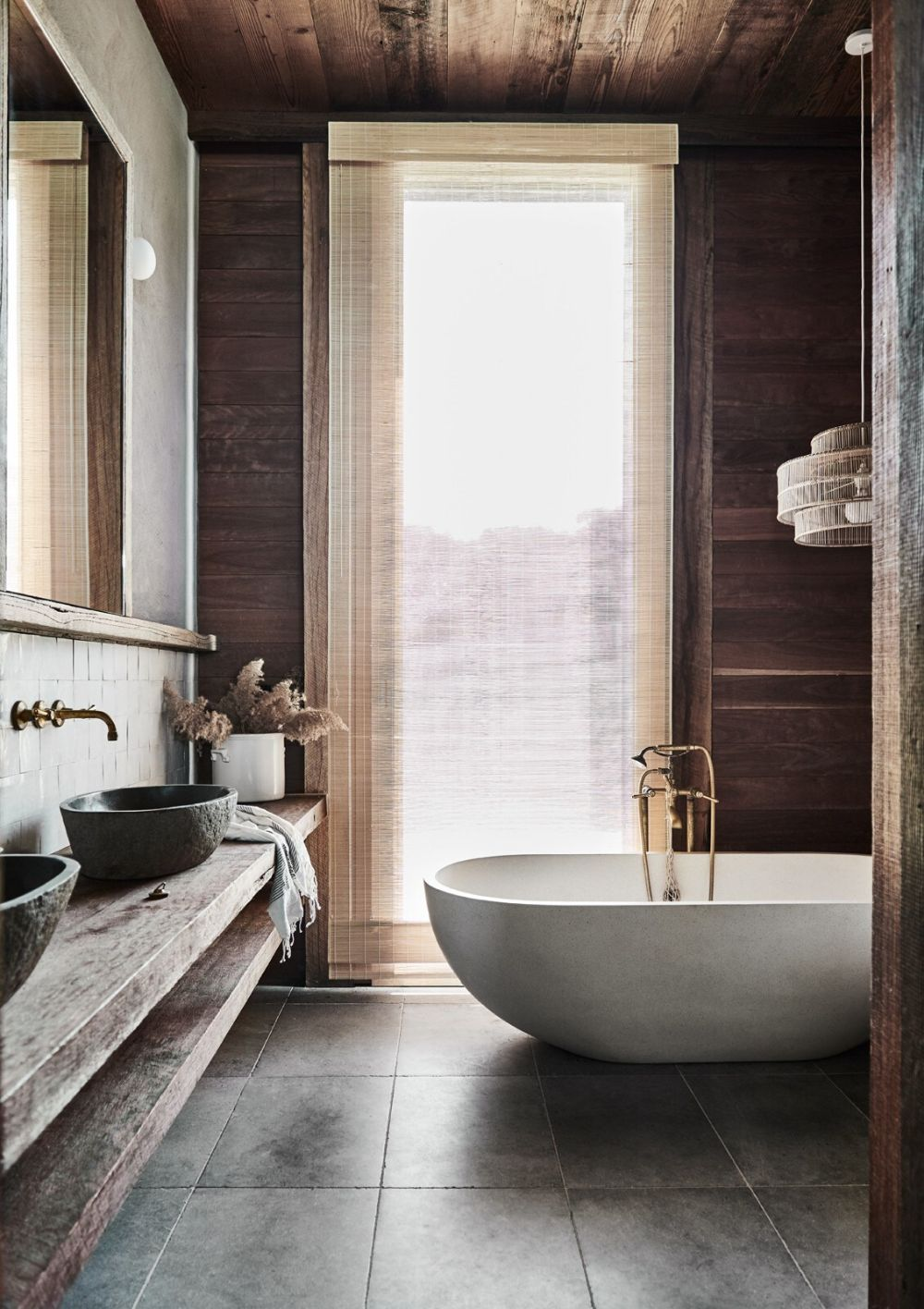The bathrooms are simple and at the same time very stylish and sophisticated while respecting the rustic design