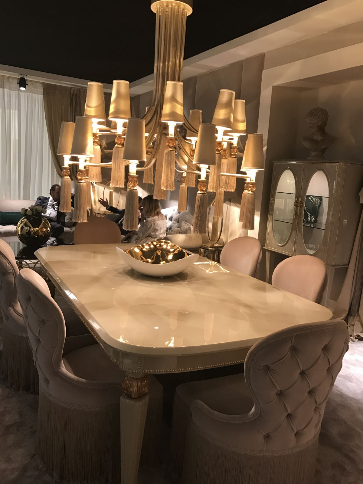 A hint of Baroque dining style is modern and opulent at the same time.