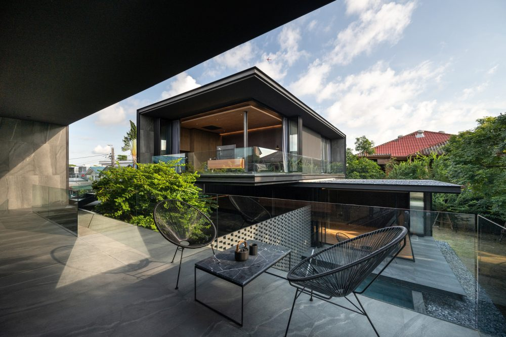 The unique way in which the house is structured allows the owners to always feel close together