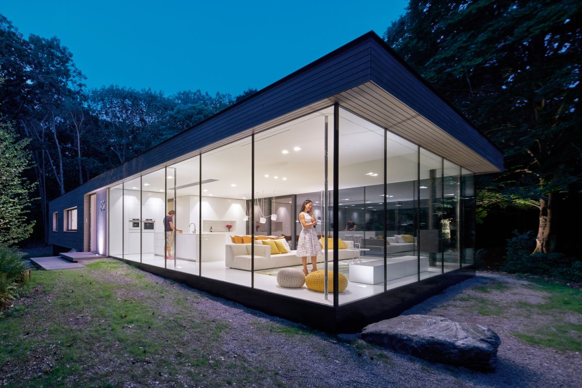 The west-facing half of the house contains the social areas and takes full advantage of the views and the location