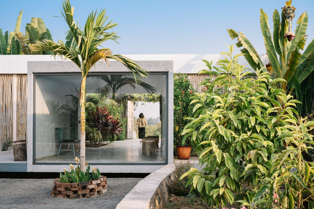 The large panorama windows expose the interior spaces to the beautiful views