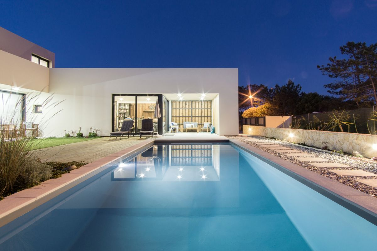 Overall, this is a house full of contrasts which somehow manages to be incredibly harmonious