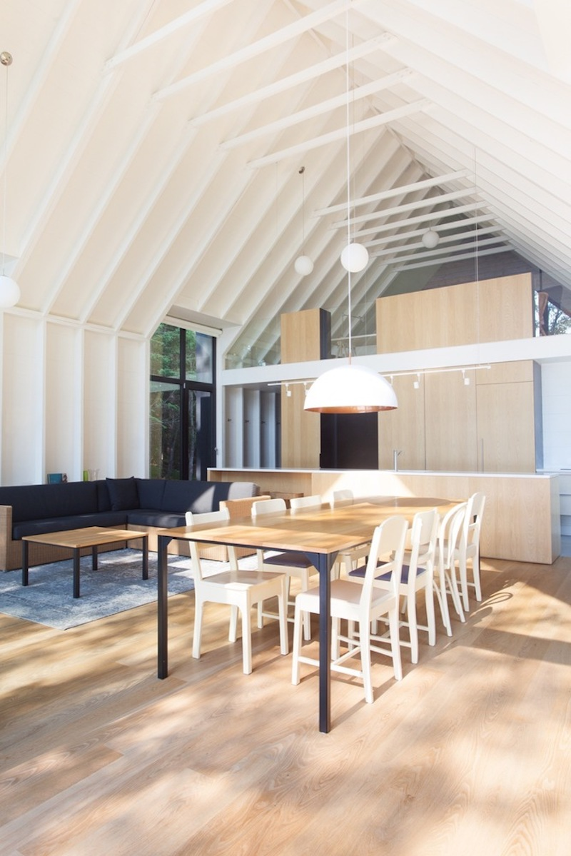 Although the interior is clad in wood, it looks and feels very open thanks to the overall minimalism