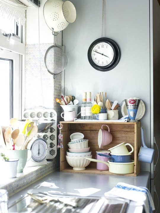 Wooden crates for cups storage