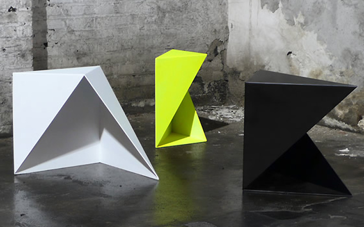 cube-intersecting-table-elements-apart
