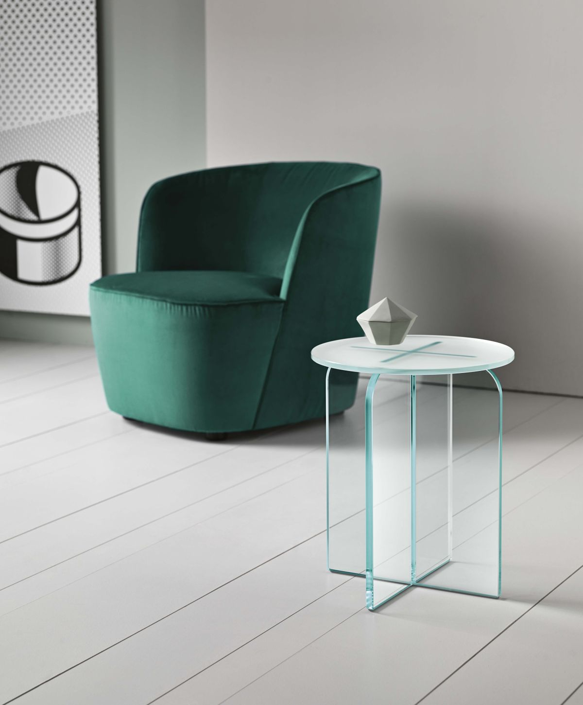 Whether you use it as a stool or as a small table, the Opalina has what it takes to stand out without being opulent